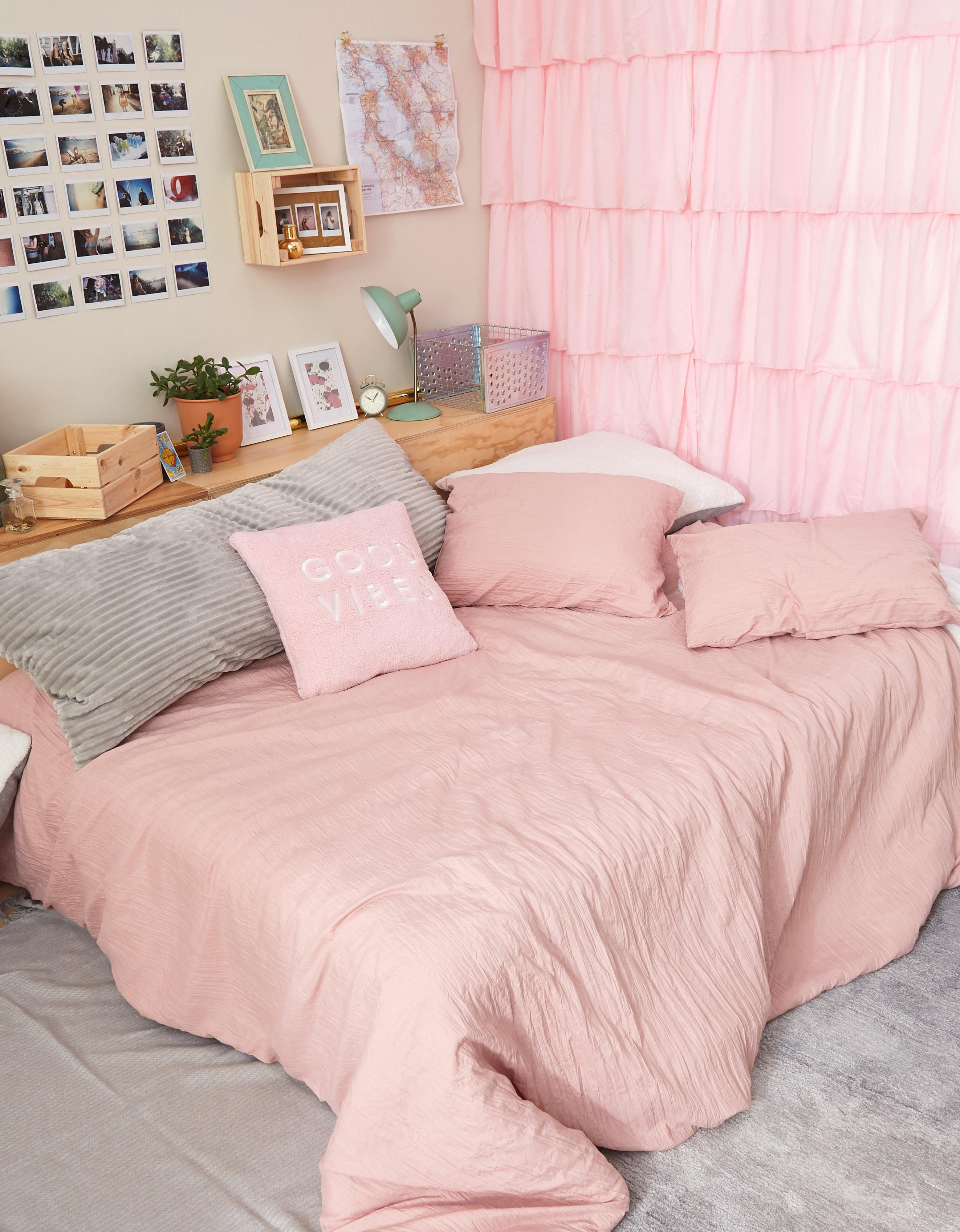 AE apartment & dorm decor